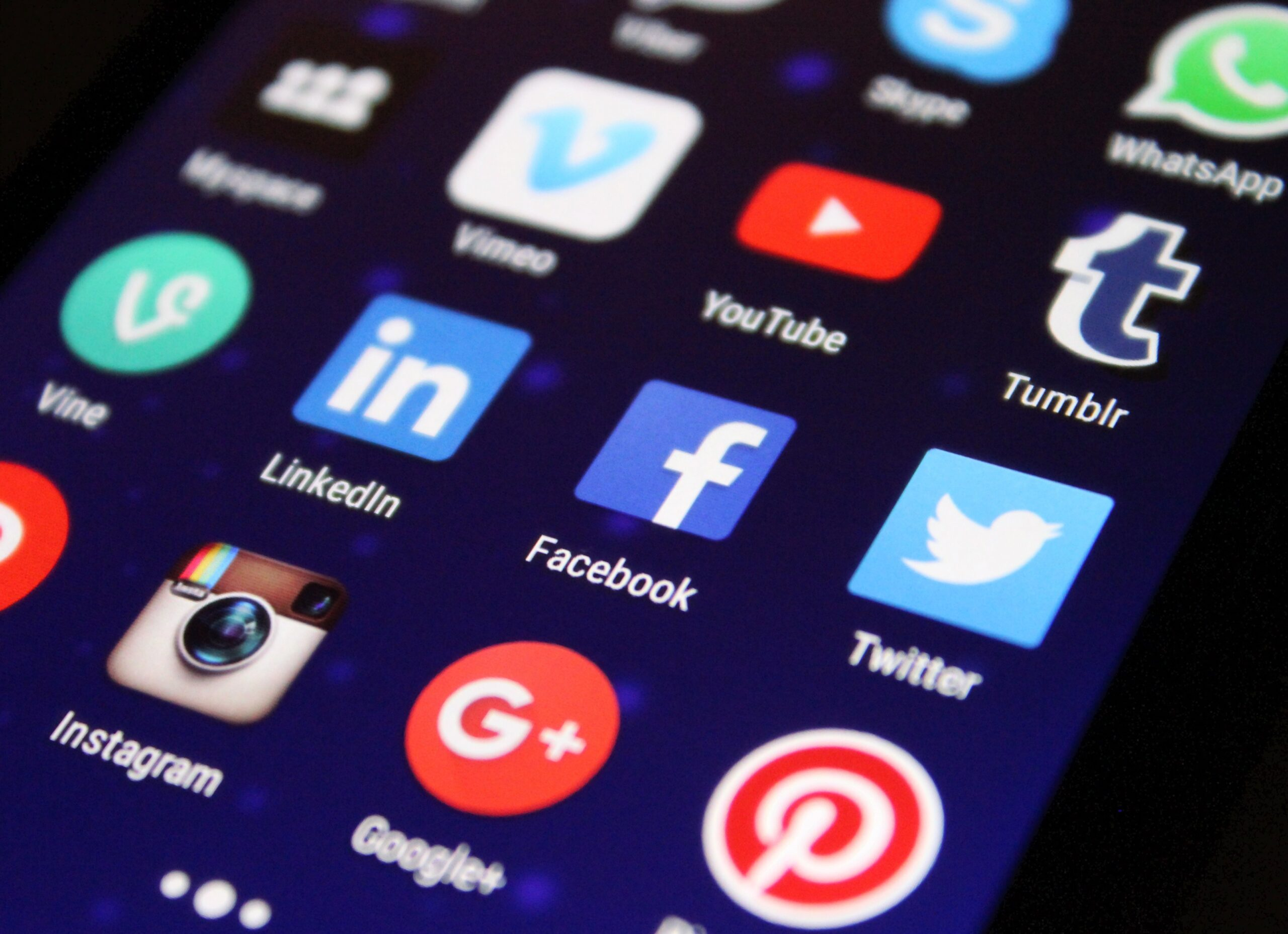 Different Ways Social Media can Help Reduce Operating Costs